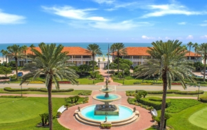 Ponte Vedra Beach with Fountain